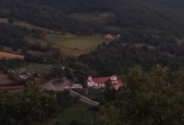 Монастырь на границе Косова и Центральной Сербии