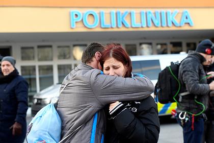 Число жертв стрельбы в чешской больнице выросло