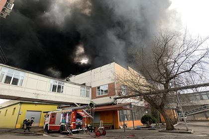 Пожар на складе тканей в Москве потушили