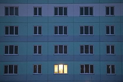 Россиянка чуть не выбросила ребенка из окна из-за нервного срыва