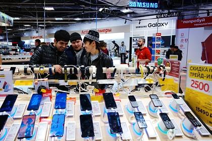 Россияне стали тратить на смартфоны больше денег