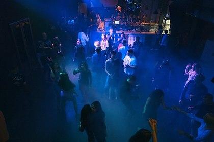 Российский депутат устроил дебош в ночном клубе и избил посетителей
