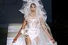 tabloid 03098a1c7e6afb00d197e1c74609db41 Невеста с самой длинной фатой в мире попала в Книгу рекордов Гиннеса