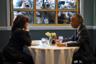 Кандидат в президенты США от Демократической партии, сенатор Камала Харрис под прицелом репортеров встречается с темнокожим священником, активистом и телеведущим Алом Шарптоном в ресторане Гарлема.