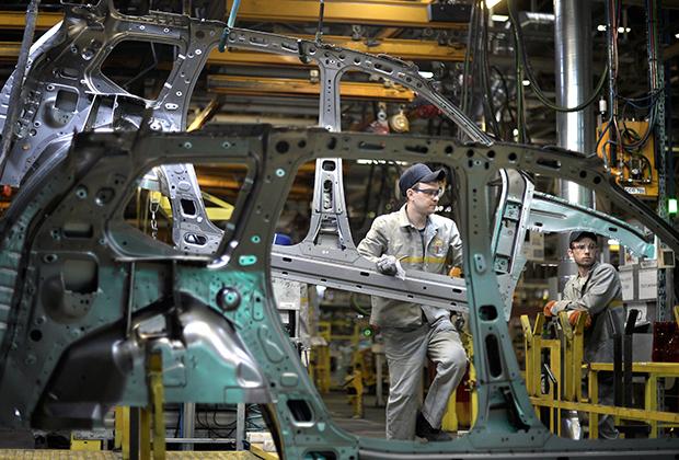 Производственная линия по сборке на московском заводе Renault