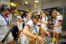 Футболистки сборной США устроили бурное празднование после победы над командой Нидерландов в финале чемпионата мира во Франции. Конфетти и хип-хоп 2000-х принесли вечеринке вирусную популярность на YouTube.