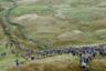 Участникам велокросса необходимо покорить гору Саймон Фелл с велосипедами на плечах. Скорость движения в этой тихоходной «дисциплине» — примерно 20 километров в час. Спортсменам приходится преодолевать различные препятствия и зачастую нести велосипед на себе. На фото — сентябрьский велокросс в Великобритании.