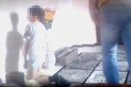 Российский бизнесмен собрался содержать мальчика с вросшей в колени гречкой