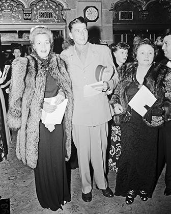 Рональд Рейган на съемках комедийного фильма «Это армия», 1943 год