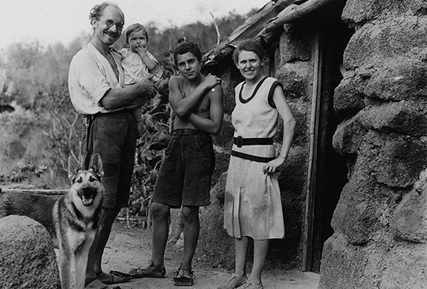Хайнц и Маргрет Уитмер и их дети