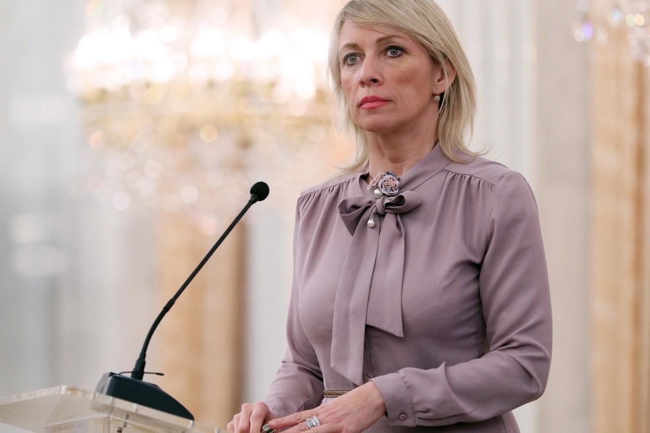 Захарова преподала урок послу США после слов о