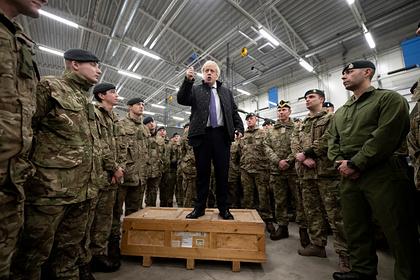 Борис Джонсон на военной базе в Эстонии