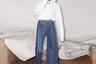 Расклешенные джинсы тоже вернулись в моду. Но и скинни никто не отменил. Выход из положения нашли на Украине: киевский дизайнер Ксения Шнайдер придумала асимметричные брюки, сшив вместе две разные штанины. Новинка вызвала резонанс у модников. Одни посчитали их нелепой ошибкой, другие — пределом мечты. Авторитетные же эксперты из журнала Vogue посулили необычным джинсам мировое признание и статус тренда 2019 года.