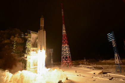 Ракета-носитель тяжелого класса «Ангара-А5» во время запуска