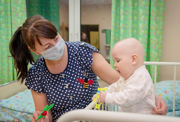Химиотерапия подавила иммунитет малыша, и любая инфекция может быть для него смертельна