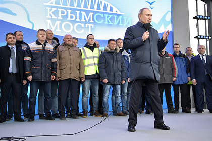 Владимир Путин на церемонии открытия движения по железнодорожной части Крымского моста через Керченский пролив