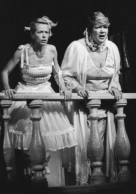 Первую режиссерскую славу Волчек принесли постановки остроактуальных и часто критичных к советской жизни современных пьес, а с середины 1960-х она стала вводить в репертуар своего театра и спектакли по русской классике, которая для нее тоже стала инструментом для рассуждений о нашем времени.