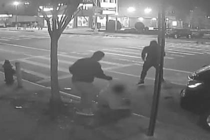 Грабители жестоко избили мужчину из-за одного доллара