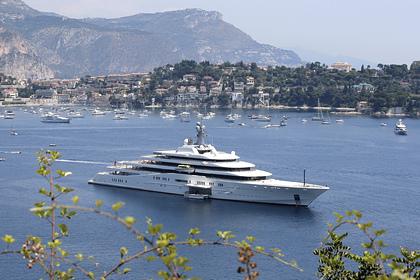 Полсотни миллиардеров на суперъяхтах оккупировали карибский остров
