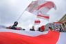 Уличные протесты начались еще 7 декабря, в день переговоров в Сочи президентов России и Белоруссии Владимира Путина и Александра Лукашенко, и продолжились на следующий день. Вновь люди собрались по тому же поводу 20 декабря. В митингах участвовали по несколько сотен человек.  <br></br> Россия и Белоруссия более года обсуждают глубокую интеграцию в рамках договора о Союзном государстве, но переговоры осложняет нефтегазовый вопрос — Минск настаивает, что должен получать топливо по внутрироссийским ценам, Москва считает, что в нынешних условиях при отсутствии выполненных договоренностей по созданию общего экономического пространства это требование необоснованно.