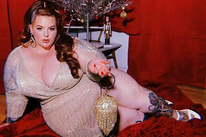 Самая тучная в мире модель поздравила фанатов с Рождеством откровенным снимком