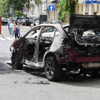 Взорванный автомобиль, в котором погиб журналист Павел Шеремет