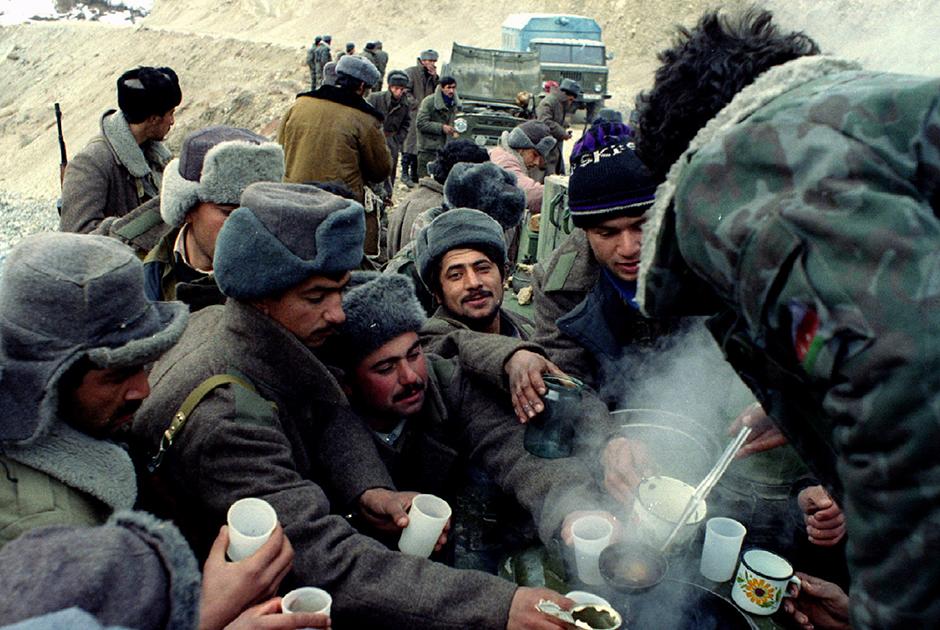 Масштабные боевые действия прекратились в Нагорном Карабахе в 1994 году с заключением Бишкекского протокола по урегулированию конфликта и Соглашения о бессрочном прекращении огня. Все стороны подписали его 12 мая. По сути, конфликт удалось только «заморозить», но не решить.