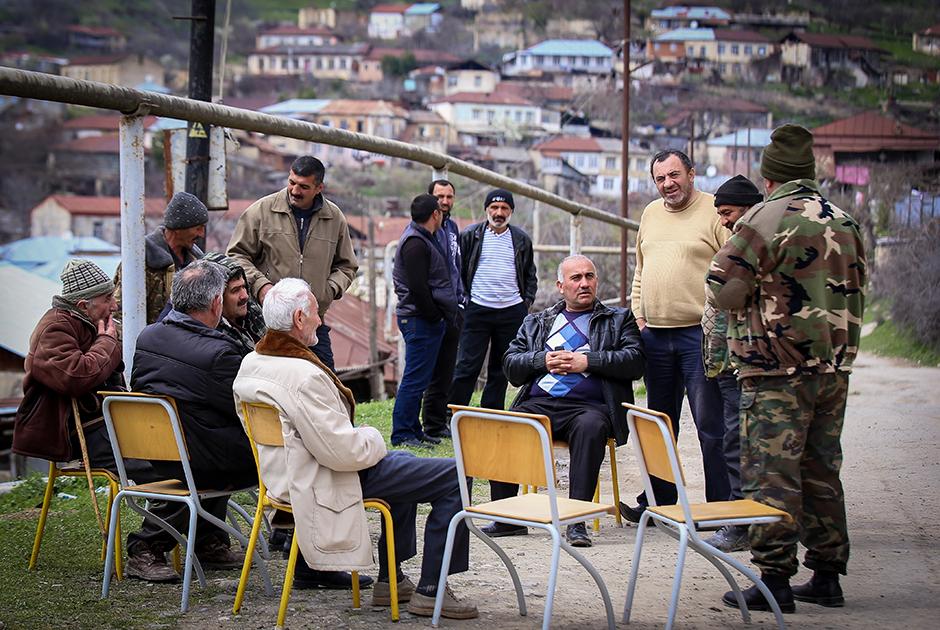 Во время так называемой Четырехдневной войны 2016 года, когда Азербайджан начал неожиданное наступление на территорию Нагорно-Карабахской республики, Степанакерт не пострадал. Сейчас линия фронта находится в нескольких километрах от города, но в нем не ощущается близость боевых действий.