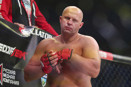 Федор Емельяненко нокаутировал американца в первом раунде