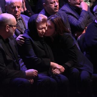 Вдова первого президента России Наина Ельцина (в центре)