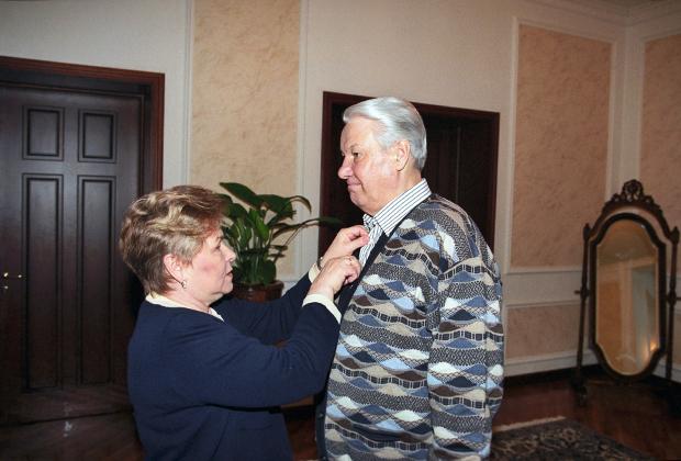 Борис и Наина Ельцины в резиденции «Русь», 1998 год