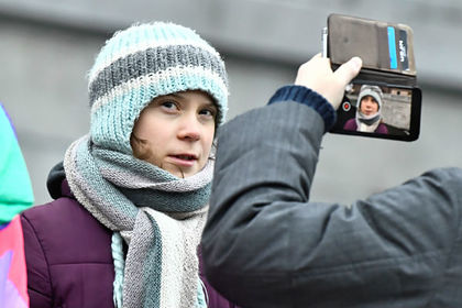 Грета Тунберг изменила имя в своем Twitter в честь мема