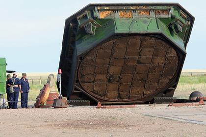 Крышка шахты пусковой установки ракеты «Воевода» в Оренбургской области, 2007 год