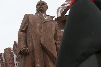 Рядом с российской границей захотели поставить памятник Бандере