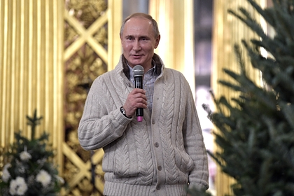 Путин передал собору в Санкт-Петербурге икону