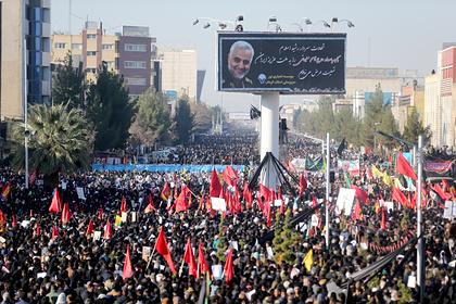 Траурная процессия после убийства генерала Касема Сулеймани