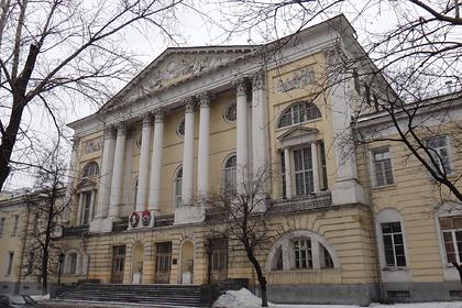 Здание главного военного клинического госпиталя имени Н. Н. Бурденко