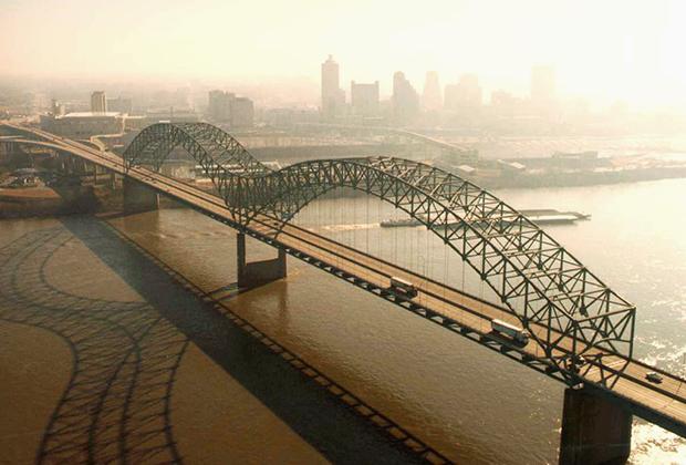 Мост Эрнандо де Сото в Мемфисе