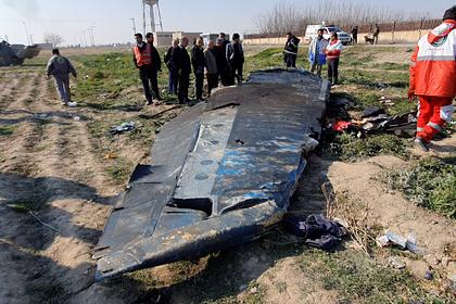 Обломки Boeing 737-800