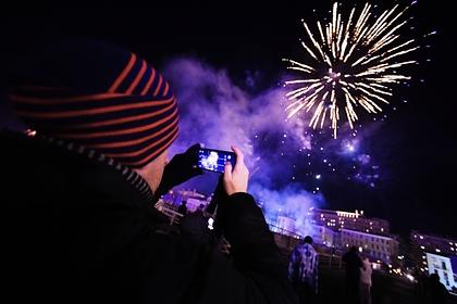 В Госдуме предложили запретить россиянам запускать фейерверки под окнами домов