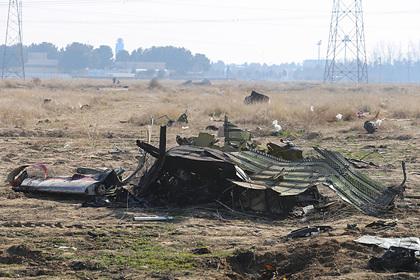 На Украине назвали тайные версии крушения самолета в Иране