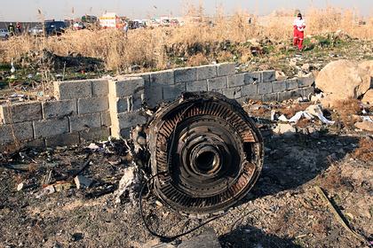 Иран отправил черные ящики сбитого украинского самолета во Францию