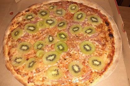 В сети нашли самую отвратительную пиццу и связали ее с приходом Антихриста