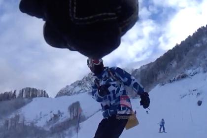 На российском горном курорте лыжник покалечил сноубордиста ради «крутого видео»