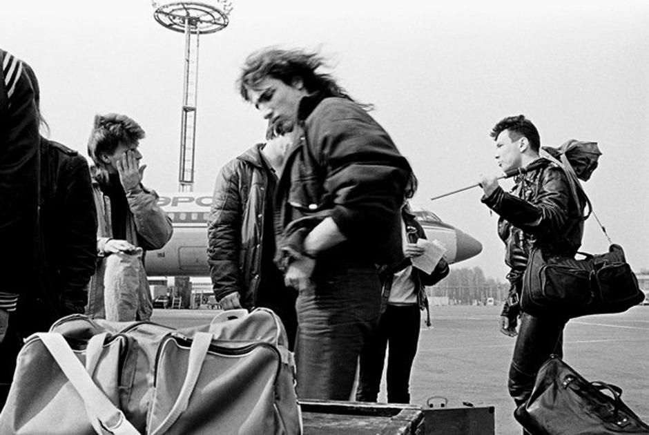 1988 Черный обелиск.jpg