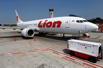 Покупателей упавшего Boeing 737 назвали идиотами за просьбу переобучить пилотов