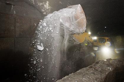 Один человек погиб при обвале в российской шахте