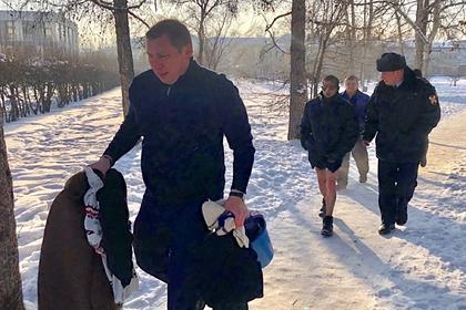 Российский мэр спас пришедшего убивать себя к мэрии мужчину