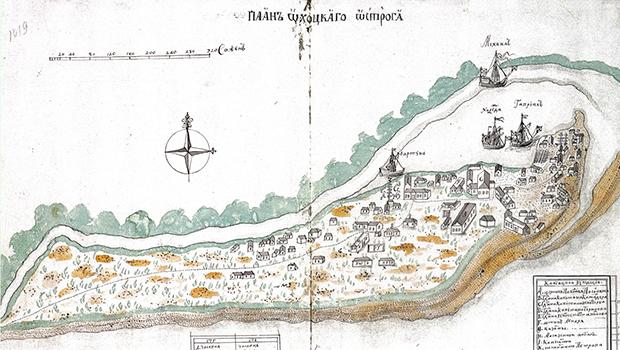 К 1742 году в Охотске уже имелись церковь имени Преображения Господня, государев двор, канцелярия, казарма, три мастерских, пять амбаров, 40 домов, пять лавок. А в примыкающей к нему слободе для участников экспедиции — пять казарм, шесть магазинов, кузница и 33 дома.