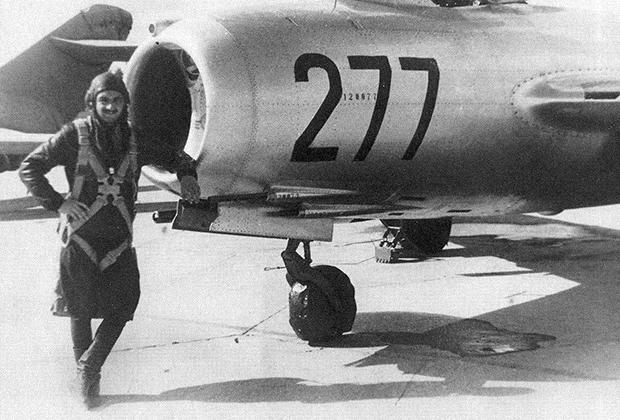 Муж Нами, военный летчик Алексей Микоян, 1949 год